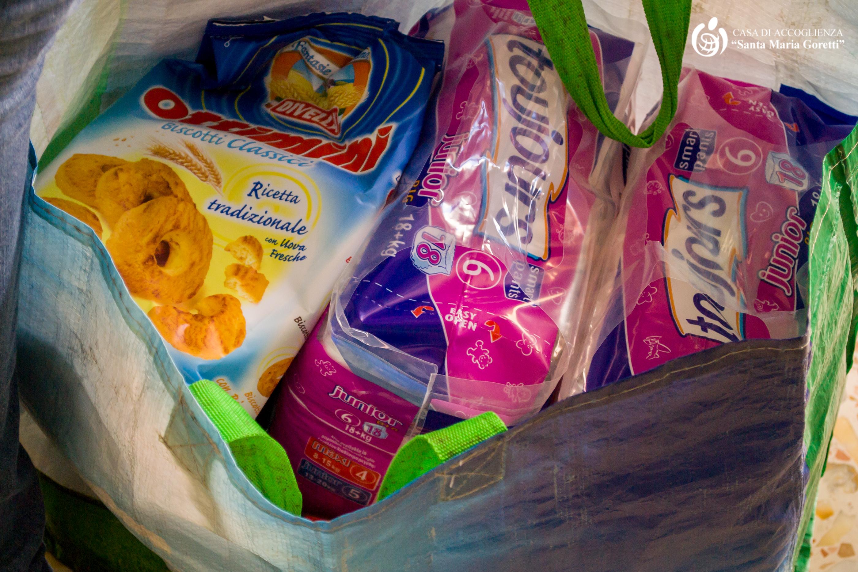 Sacchetto viveri per adulti e neonati - Casa accoglienza Santa Maria Goretti - Andria (BT)